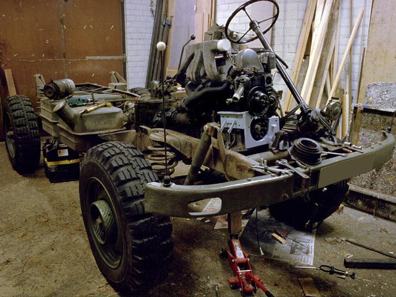 Daarna werd er een OM 617 5 cilinder 90 pk dieselmotor ingebouwd.
